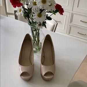 Beige 💯 PU open toe heels very good condition